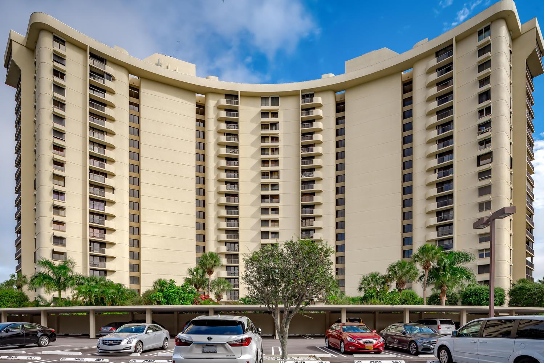 2480 Presidential Way,West Palm Beach,Florida 33401,3 Bedrooms Bedrooms,3 BathroomsBathrooms,Condo/coop,Presidential,RX-10596694