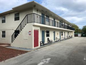 1605 NE 3rd Avenue, Delray Beach, FL 33444