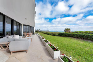 Covered Lanai accessible from all bedrooms, kitchen and living room