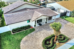 Architecturally Designed and Landscaped Home in East Boca Raton