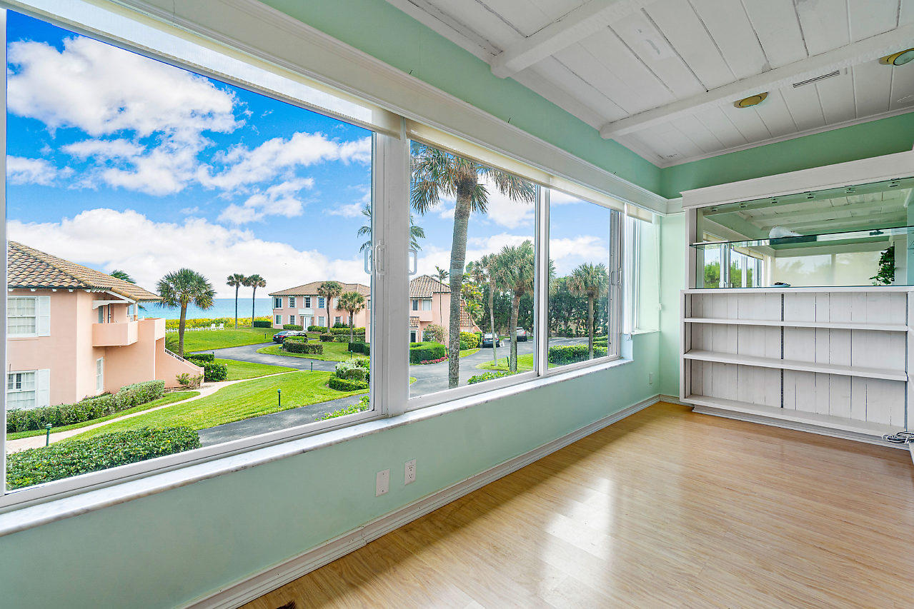 Home for sale in Bermuda High Delray Beach Florida
