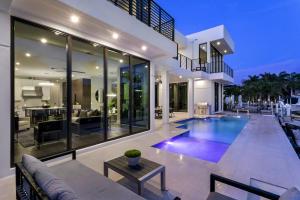 610 Phillips Drive Boca Raton FL 33432