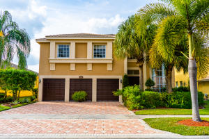 2302 Ridgewood Circle, Royal Palm Beach, FL 33411