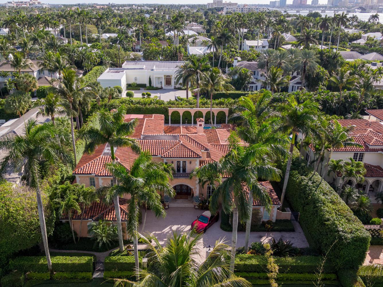 Photo of 240 Via Las Brisas, Palm Beach, FL 33480