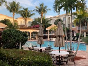 4104 Myrtlewood Circle E, Palm Beach Gardens, FL 33418