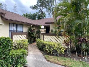 222 Thorn Apple Court, Royal Palm Beach, FL 33411