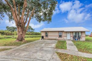 290 SW 9th Avenue, South Bay, FL 33493