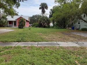 2226 17th Avenue, Vero Beach, FL 32960