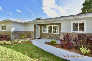 2450 Hope Lane E, Palm Beach Gardens, FL 33410