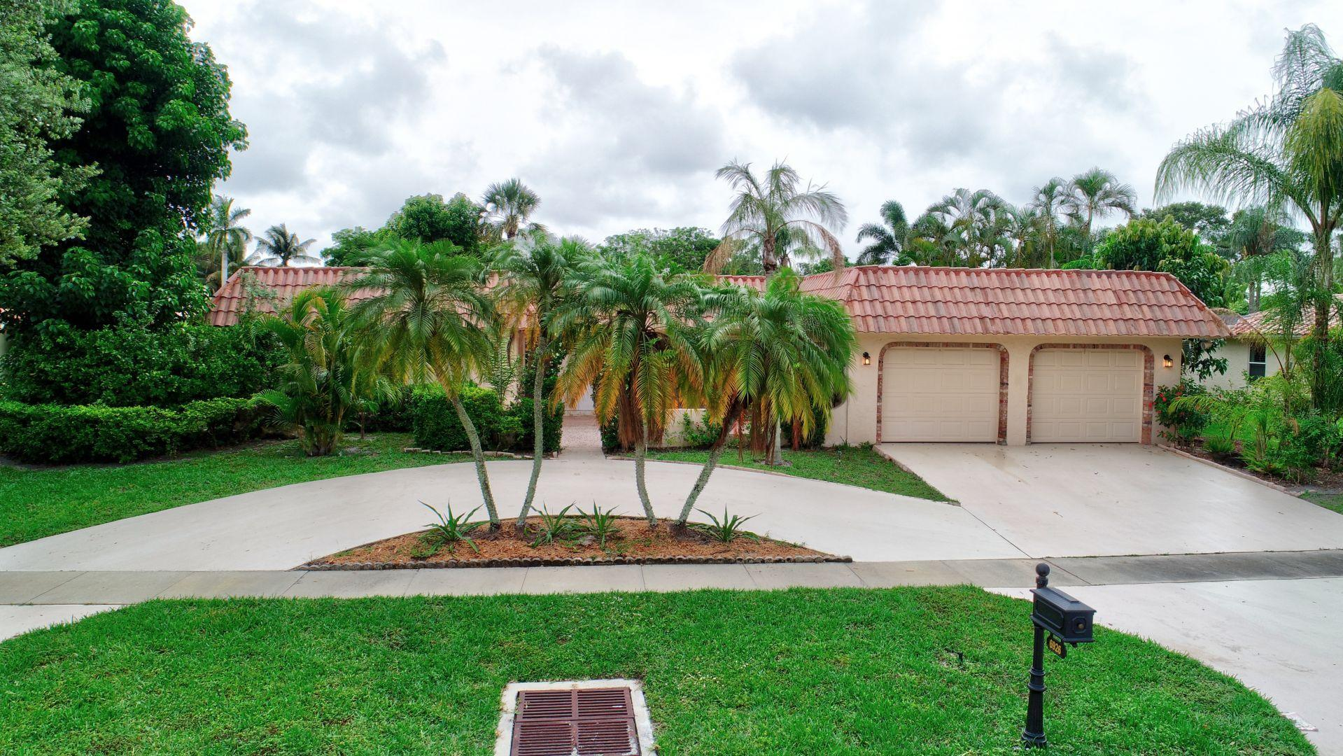 Photo of 6926 N Grande Drive, Boca Raton, FL 33433