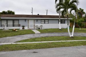 852 Woodland Avenue, Haverhill, FL 33415