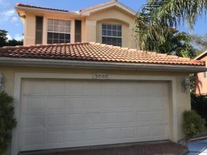 5121 Crescent Moon Drive, Greenacres, FL 33463
