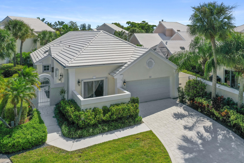 21 Windsor Lane Palm Beach Gardens, FL 33418