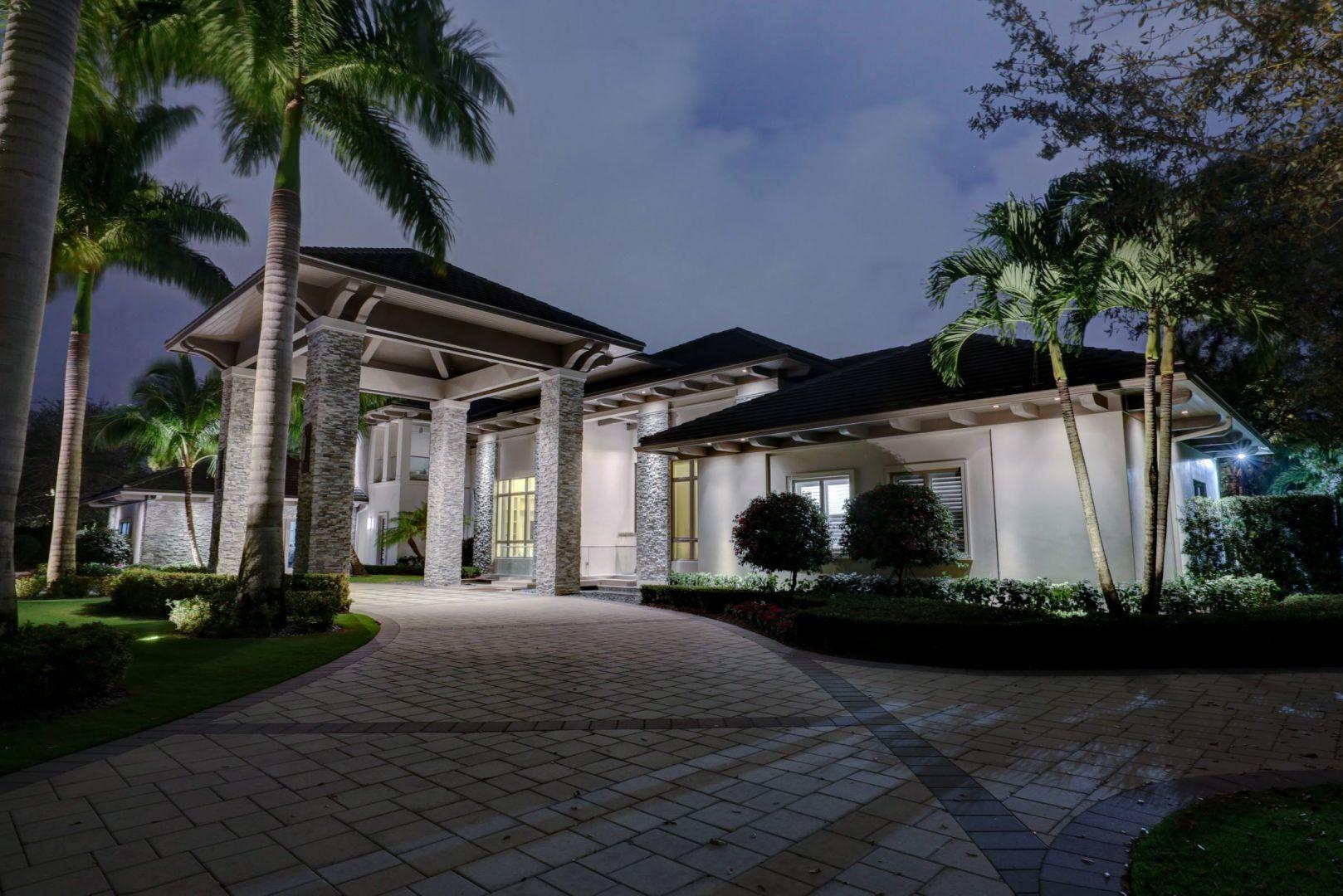 Palm Beach Gardens, Florida 33418, 6 Bedrooms Bedrooms, ,8 BathroomsBathrooms,Residential,For Sale,Tillinghast,RX-10602459