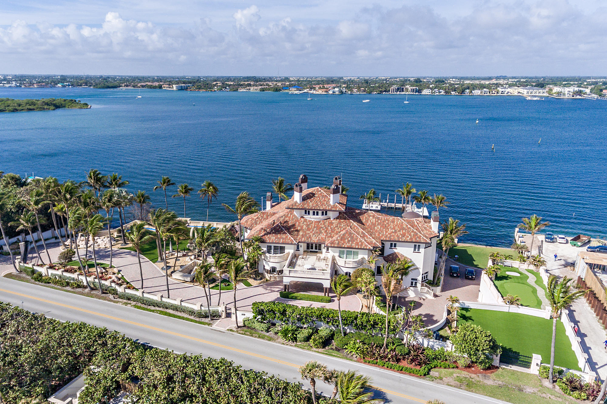 1960 Ocean Boulevard, Manalapan, Florida 33462, 9 Bedrooms Bedrooms, ,9.2 BathroomsBathrooms,Single Family,For Sale,Ocean,RX-10487812