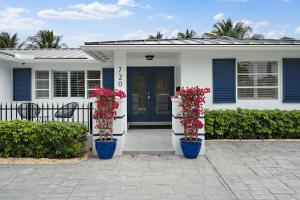 720 Lagoon Drive, North Palm Beach, FL 33408