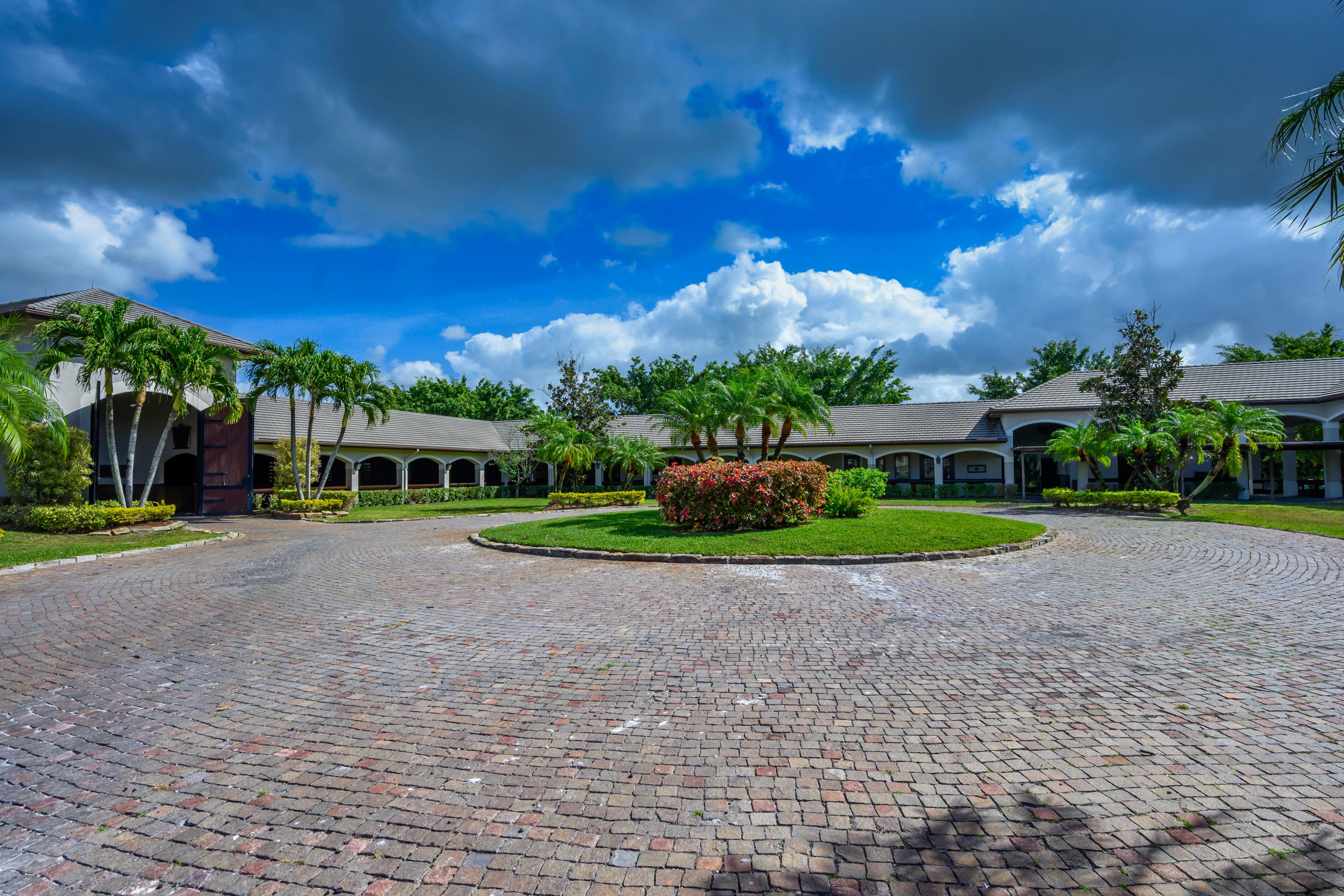 Wellington, Florida 33449, 6 Bedrooms Bedrooms, ,5 BathroomsBathrooms,Residential,For Sale,53rd,RX-10597155