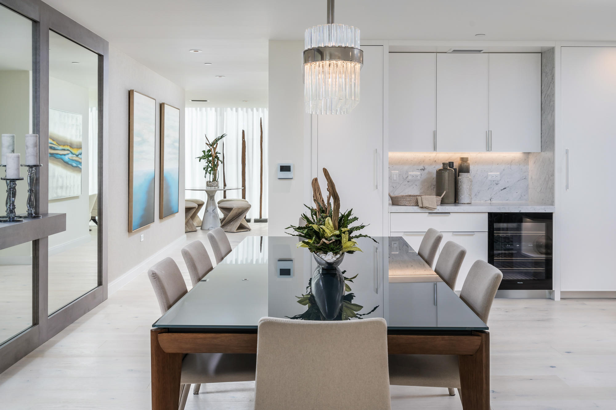 Dining (Virtual Staging)