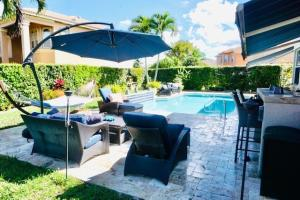 2260 Ridgewood Circle, Royal Palm Beach, FL 33411