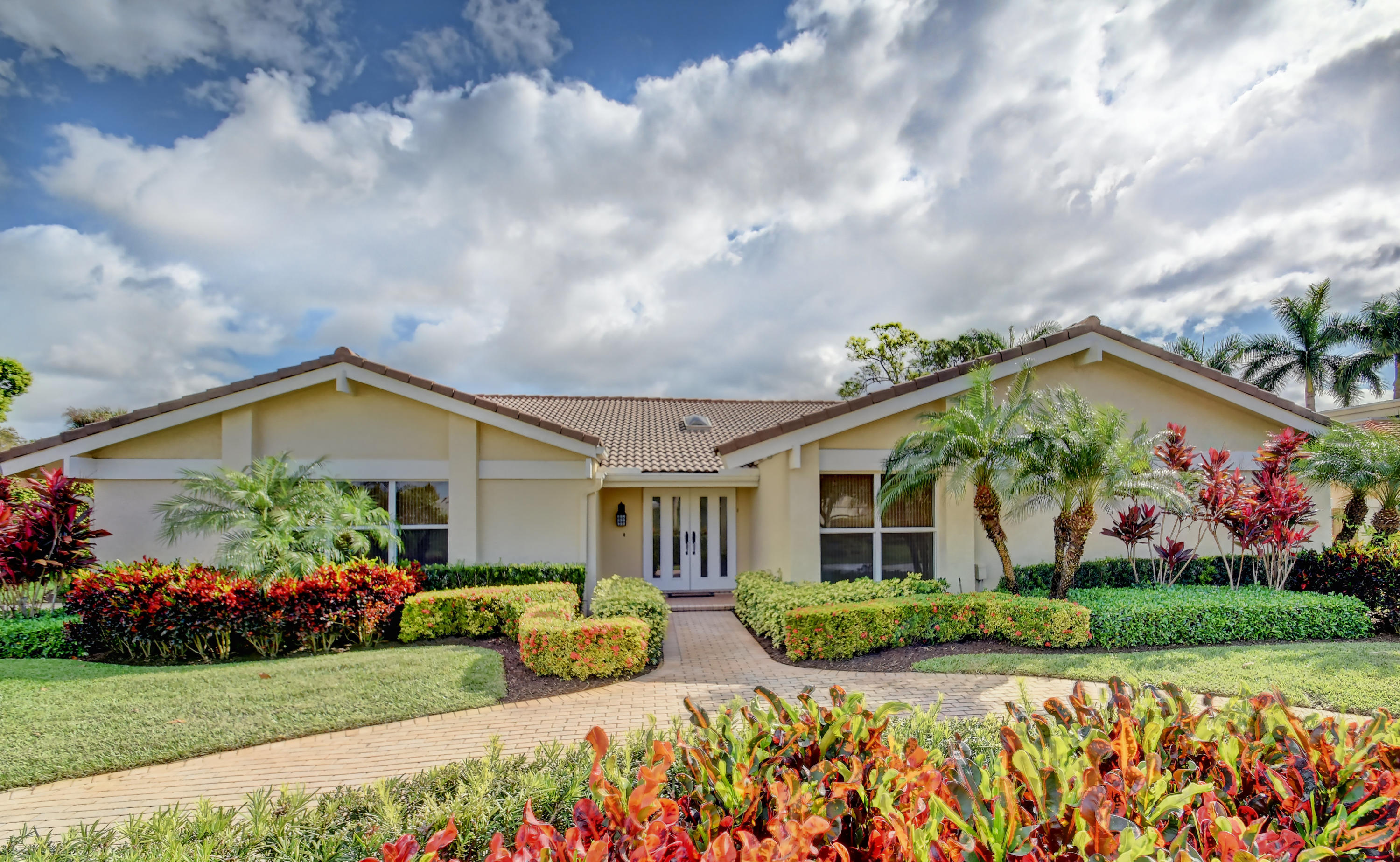 Photo of 657 Lakewoode Circle E, Delray Beach, FL 33445