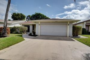 7 Fenwick Place, Boynton Beach, FL 33426