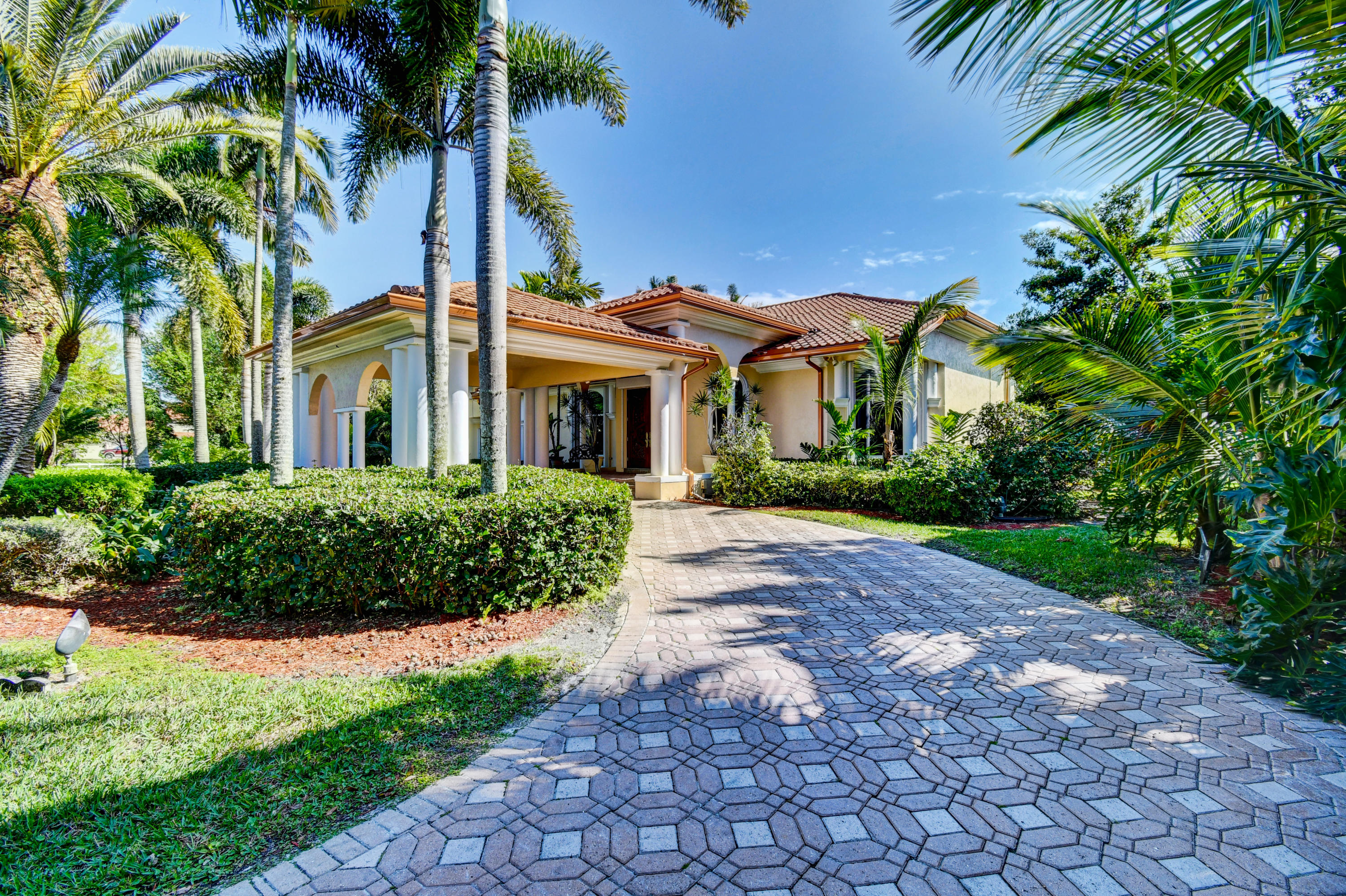 Wellington, Florida 33414, 6 Bedrooms Bedrooms, ,5 BathroomsBathrooms,Residential,For Sale,Ocean Breeze,RX-10605678