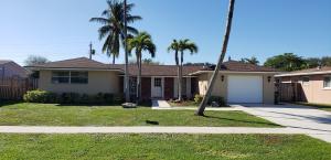 221 Tam O Shanter Drive, Palm Springs, FL 33461