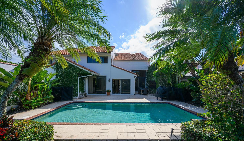 Wellington, Florida 33414, 4 Bedrooms Bedrooms, ,5 BathroomsBathrooms,Rental,For Rent,Windsor Way,RX-10591037