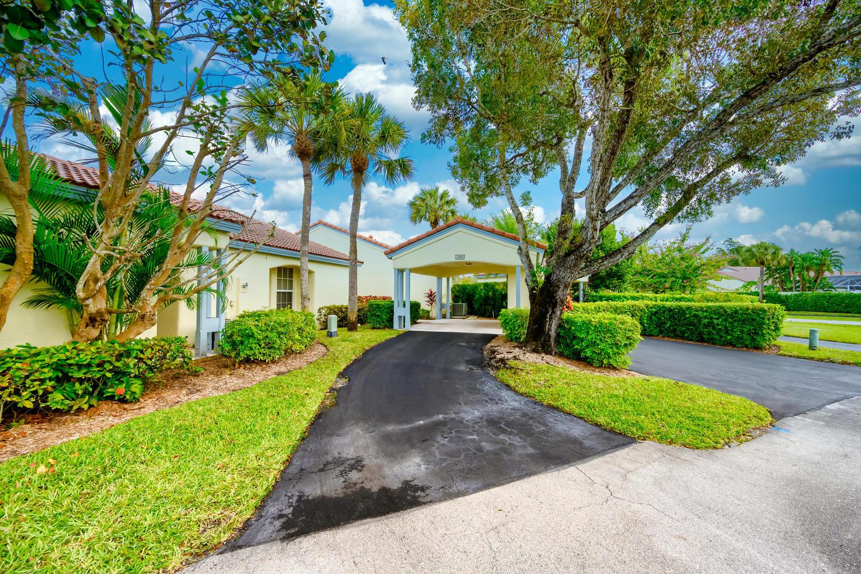 2239 Las Brisas Court, Wellington, Florida 33414, 3 Bedrooms Bedrooms, ,2 BathroomsBathrooms,Villa,For Rent,Las Brisas,RX-10606472