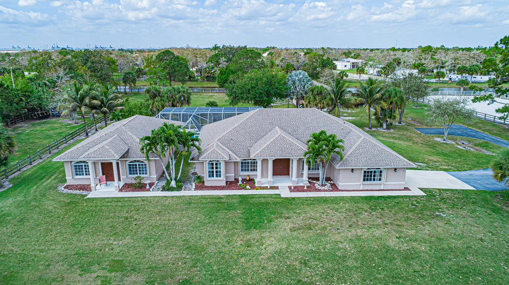 Loxahatchee, Florida 33470, 5 Bedrooms Bedrooms, ,4 BathroomsBathrooms,Residential,For Sale,Fawn,RX-10606578