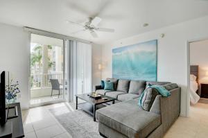 625 Casa Loma Boulevard, 208, Boynton Beach, FL 33435