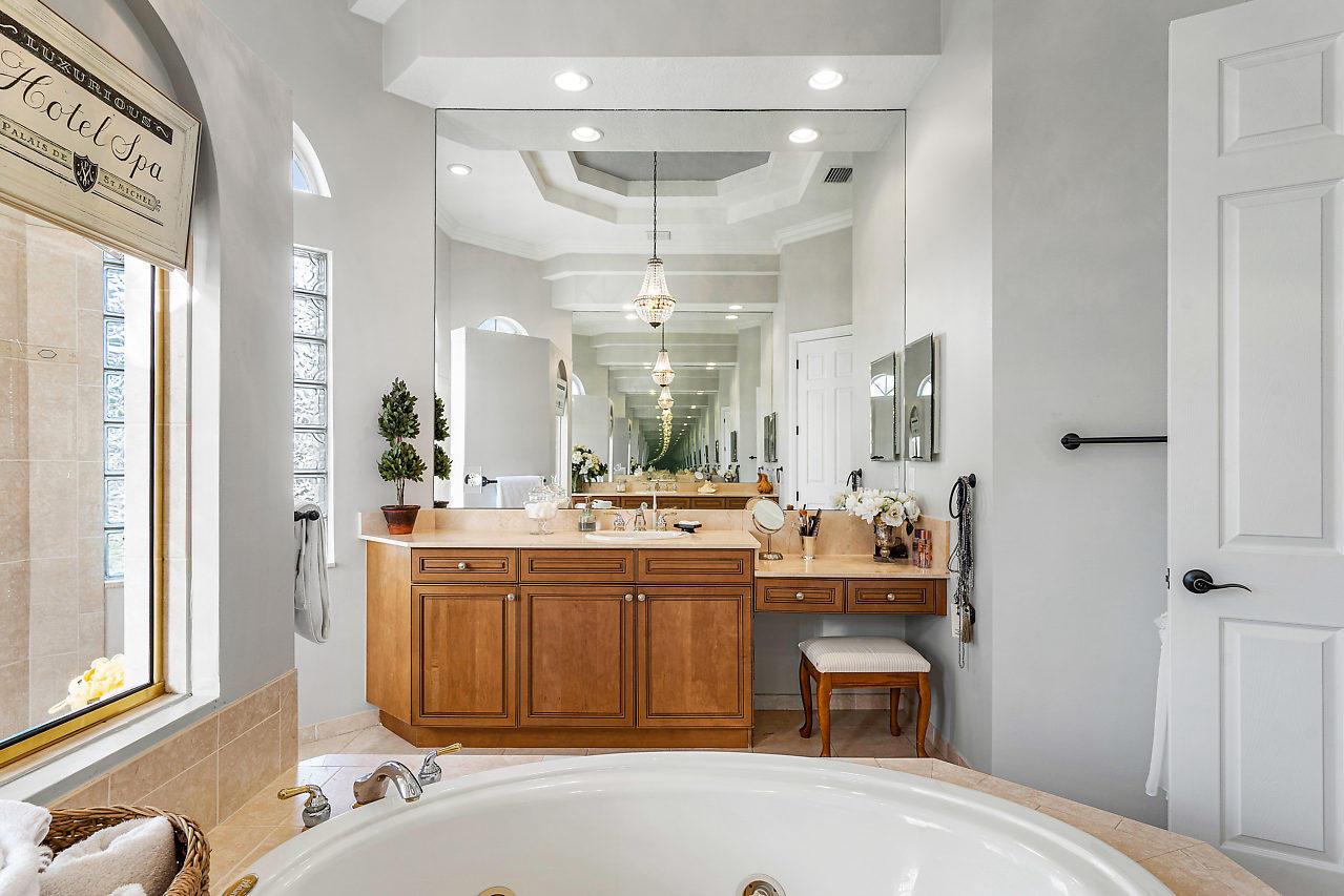 Wellington, Florida 33414, 5 Bedrooms Bedrooms, ,4 BathroomsBathrooms,Rental,For Rent,Equine,RX-10607188