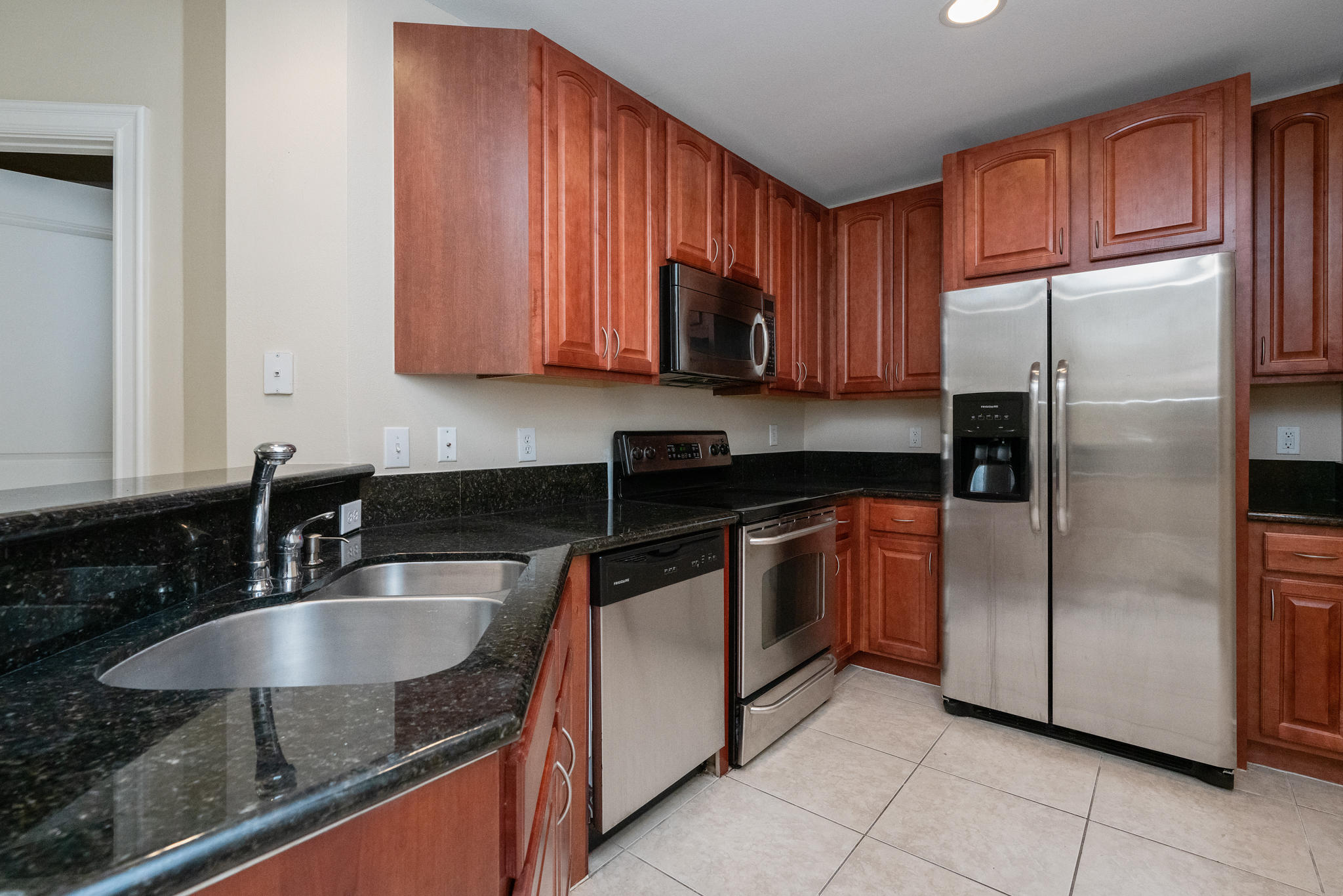 Image 4 For 16100 Emerald Estates Drive 390