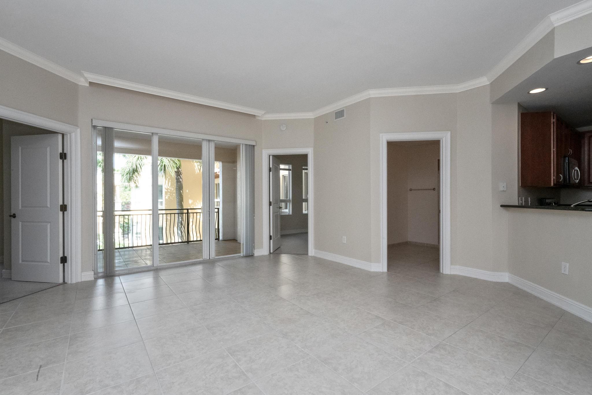 Image 18 For 16100 Emerald Estates Drive 390