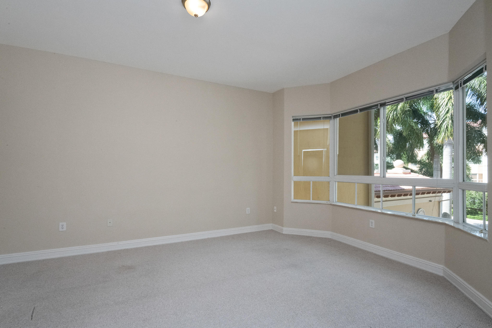 Image 20 For 16100 Emerald Estates Drive 390