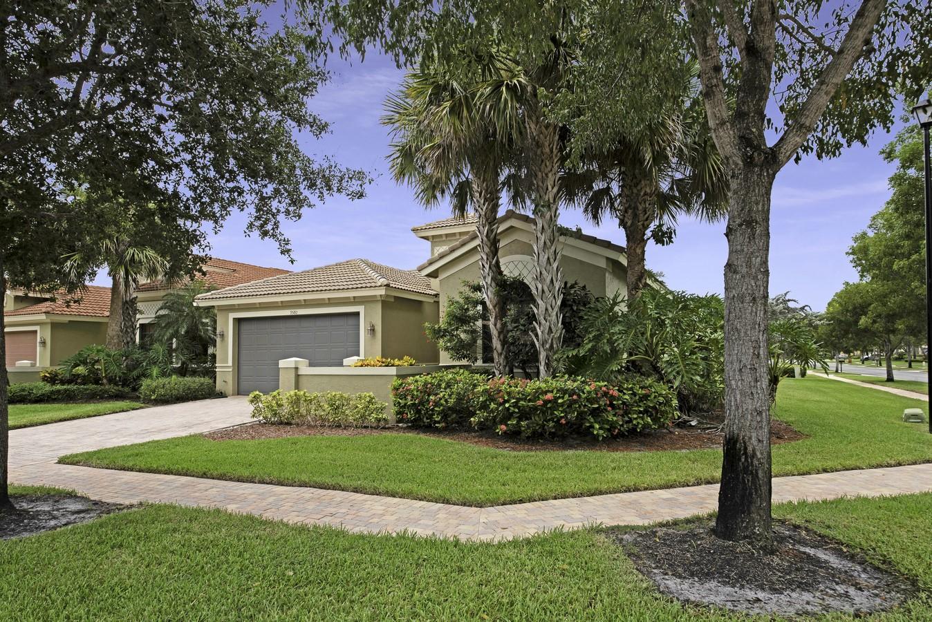 Photo of 9580 Tivoli Isles Boulevard, Delray Beach, FL 33446