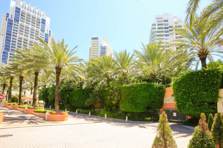 400 S Pointe Drive #303 & 305