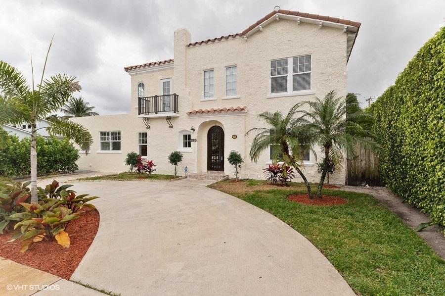 320 Edgewood Drive, West Palm Beach, Florida 33405, 5 Bedrooms Bedrooms, ,4 BathroomsBathrooms,Single Family,For Sale,Edgewood,RX-10606885
