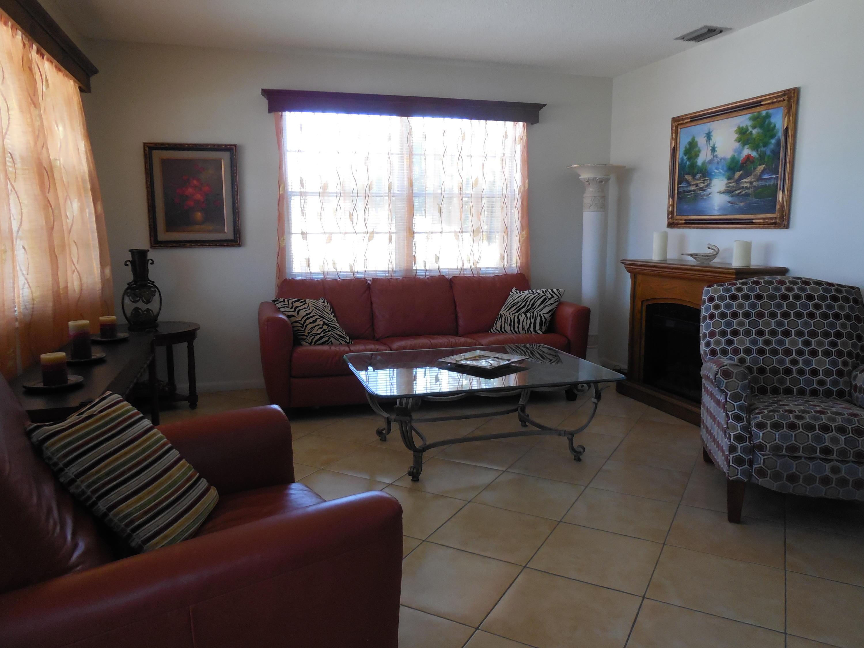 440 Windsor S, West Palm Beach, Florida 33417, 1 Bedroom Bedrooms, ,1 BathroomBathrooms,Residential,For Sale,Windsor S,RX-10609846