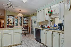 706 Bougainvillea Cir Barefoot Bay FL 32976