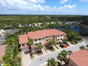 4702 Artesa Way E, Palm Beach Gardens, FL 33418