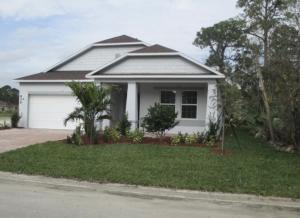 634 NE Moss Rose Place, Port Saint Lucie, FL 34983