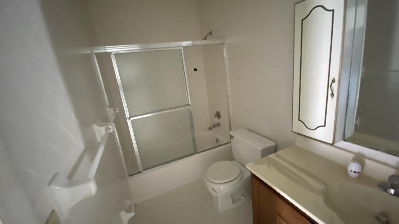 Image 13 For 5440 25th Avenue Ne T-1