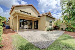 17545 Via Capri Boca Raton FL 33496