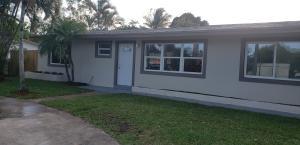 3789 Kenyon Road, Palm Springs, FL 33461