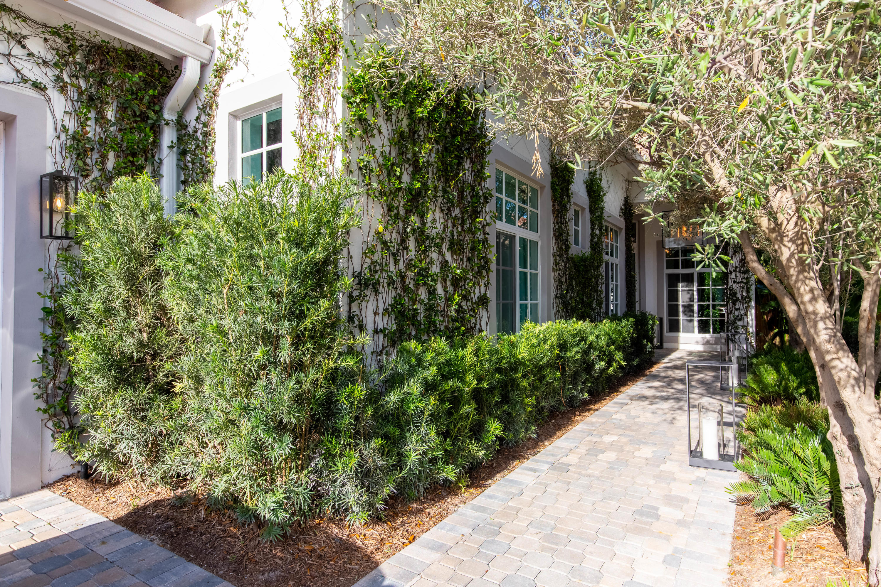 Wellington, Florida 33414, 3 Bedrooms Bedrooms, ,3 BathroomsBathrooms,Residential,For Sale,Players,RX-10612185