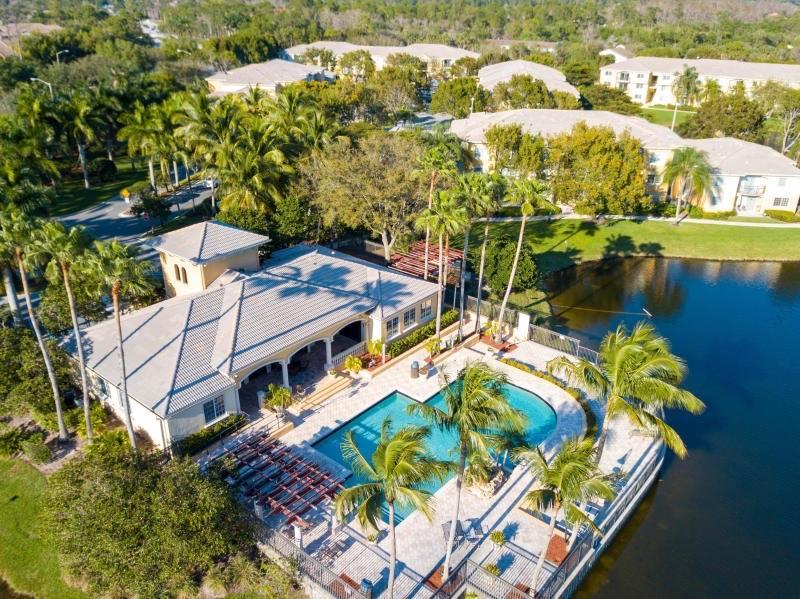 800 Crestwood Court,Royal Palm Beach,Florida 33411,2 Bedrooms Bedrooms,2 BathroomsBathrooms,Condo/coop,Crestwood,RX-10612817