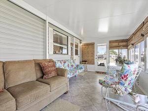 917 Dogwood Drive Drive Barefoot Bay FL 32976