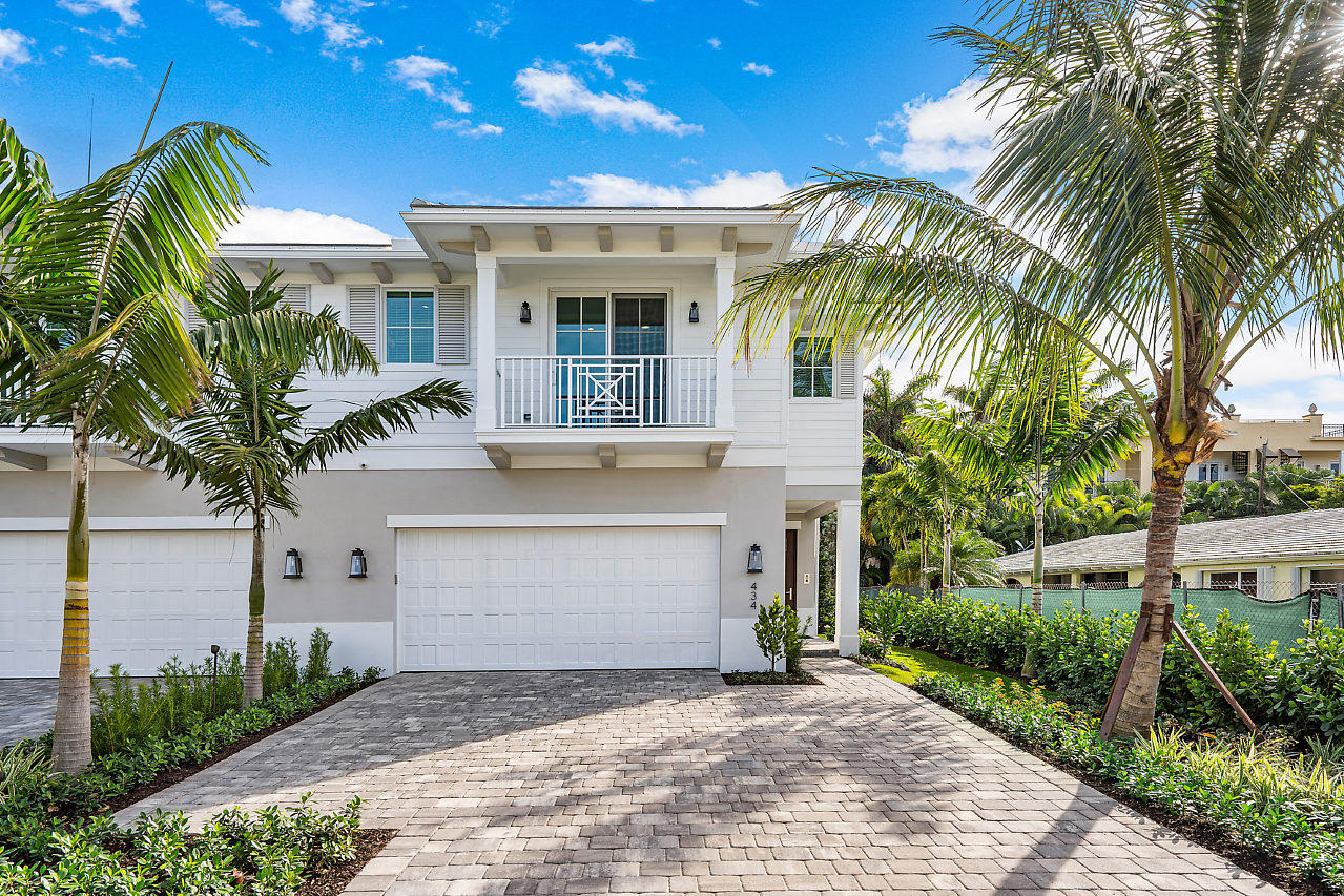 444 Ne Wavecrest Way Boca Raton, FL 33432