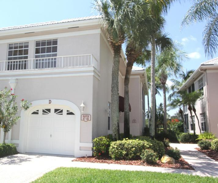 5172  Lake Catalina Drive D For Sale 10616162, FL